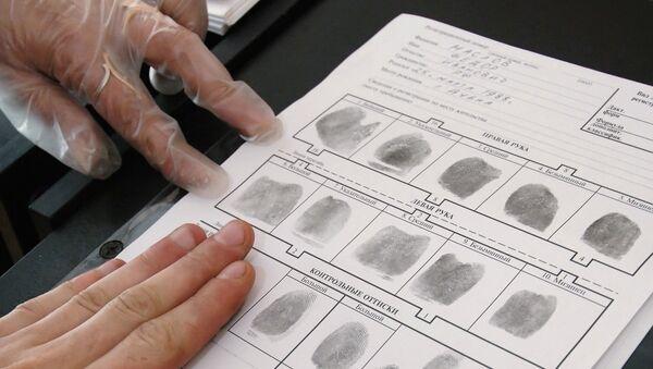 Дактилоскопическая регистрация. Архивное фото