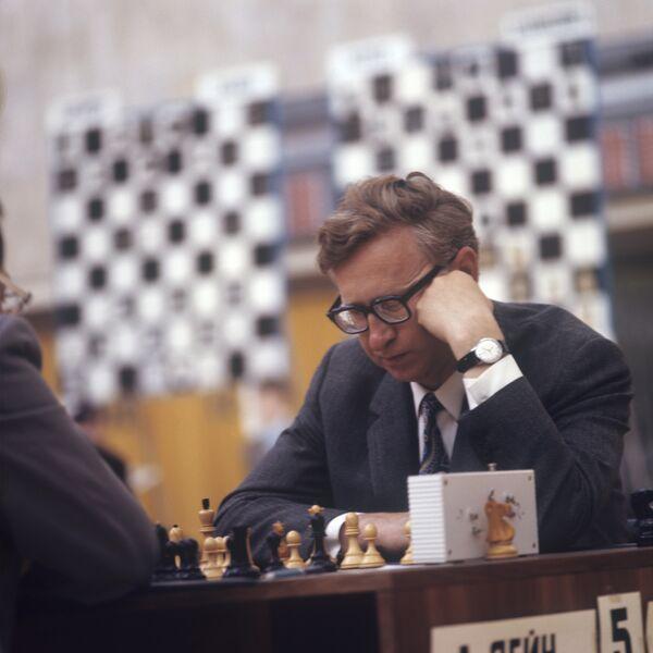 Экс-чемпион мира по шахматам Василий Смыслов. Архив