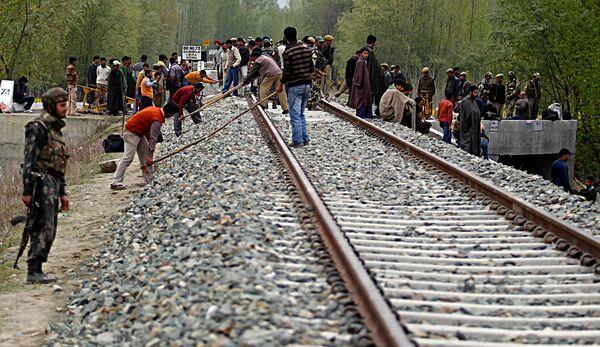 Взрыв на железной дороге в Кашмире