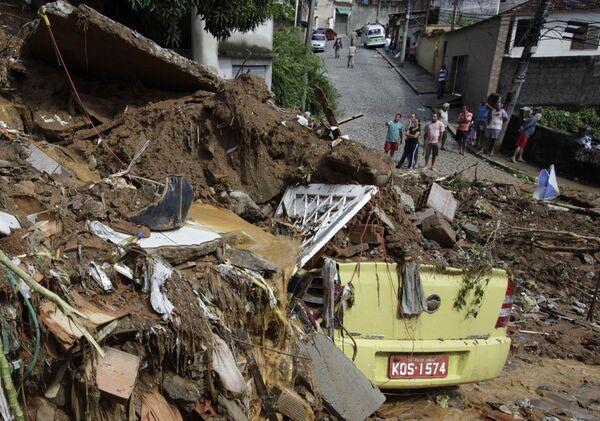 Последствие наводнения в Рио-де-Жанейро