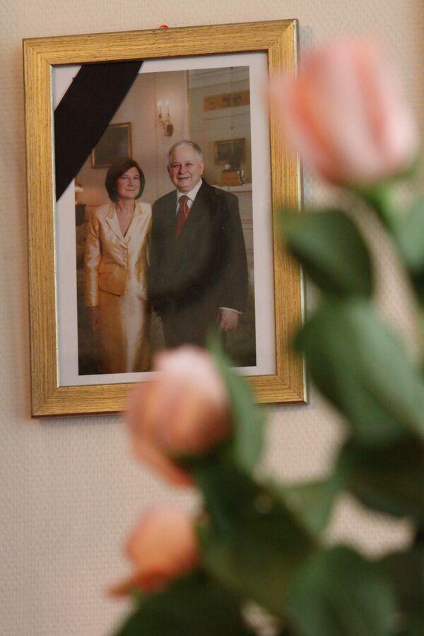 Фотография президента Польши Леха Качиньского с супругой