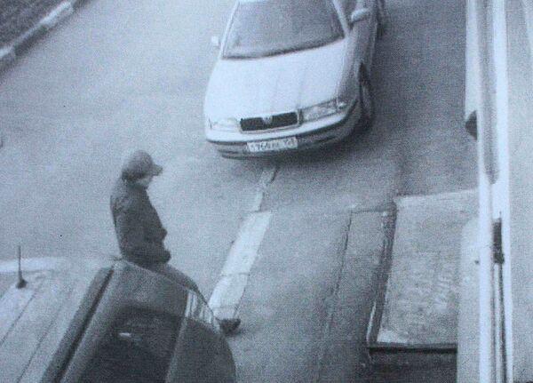 Запись камеры видео наблюдения, на которой виден подозреваемый в убийстве судьи Чувашова
