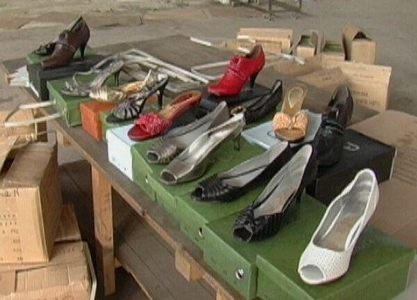 Милиция нашла в Приморье выпуск вредной для здоровья китайской обуви