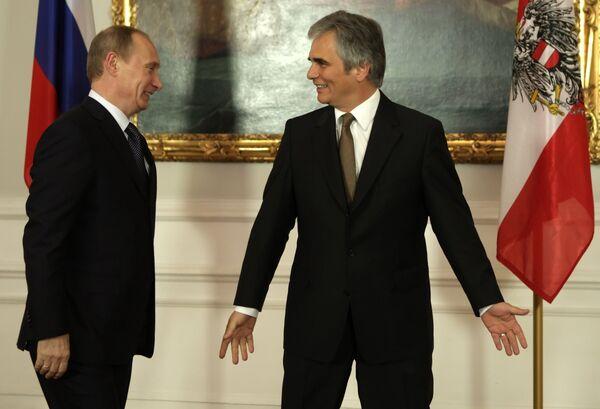 Премьер-министр РФ Владимир Путин и федеральный канцлер Австрии Вернер Файман проводят в Вене переговоры