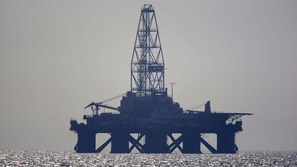 Нефтяная платформа. Архивное фото.