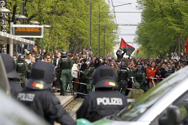 Противостояние полиции и демонстрантов продолжается в Берлине