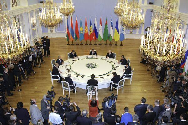 Президент РФ Д.Медведев на неформальном саммите СНГ