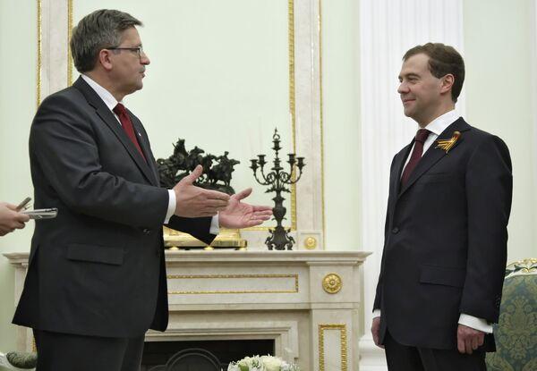 Президент РФ Д.Медведев встретился с и.о. президента Польши Б.Коморовским
