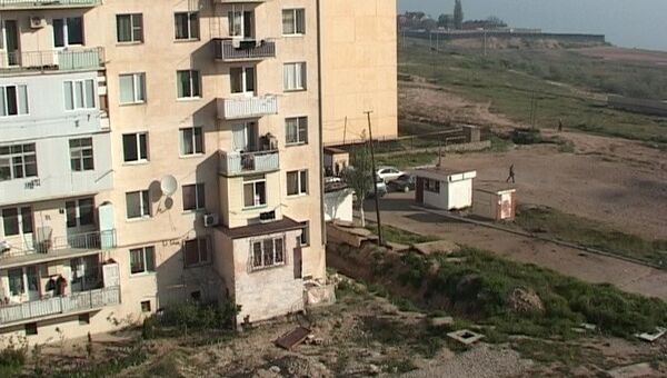 Взрыв у дома пограничников в Каспийске