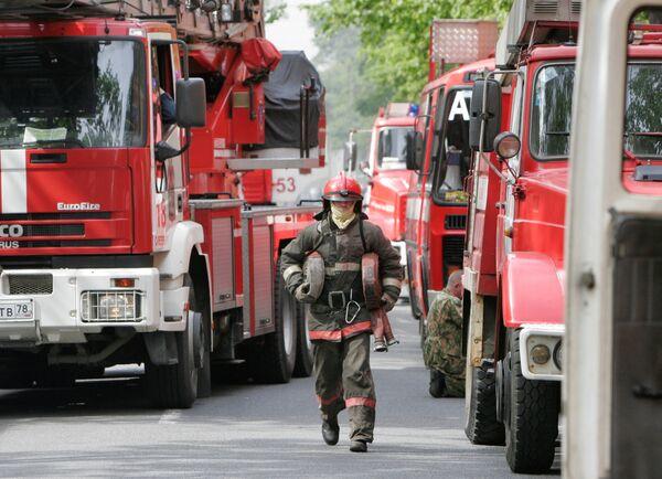 Тушение пожара в Санкт-Петербурге. Архив