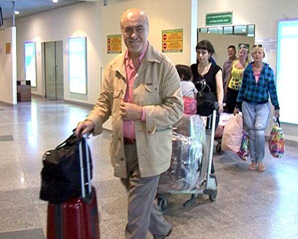 Теперь будем летать чаще - пассажиры о чартерах Москва-Тбилиси