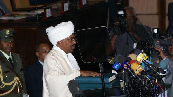 Президент Судана Омар аль-Башир во время церемонии инаугурации в Национальной ассамблее