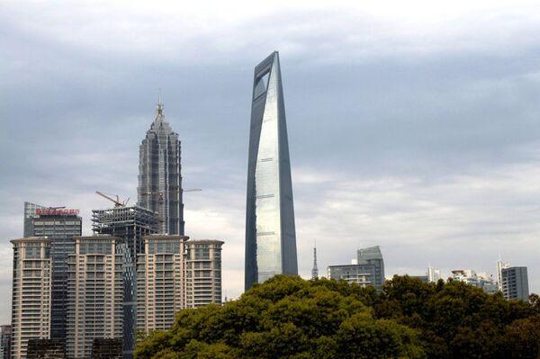 Шанхайский всемирный финансовый центр - самое высокое здание в Шанхае.