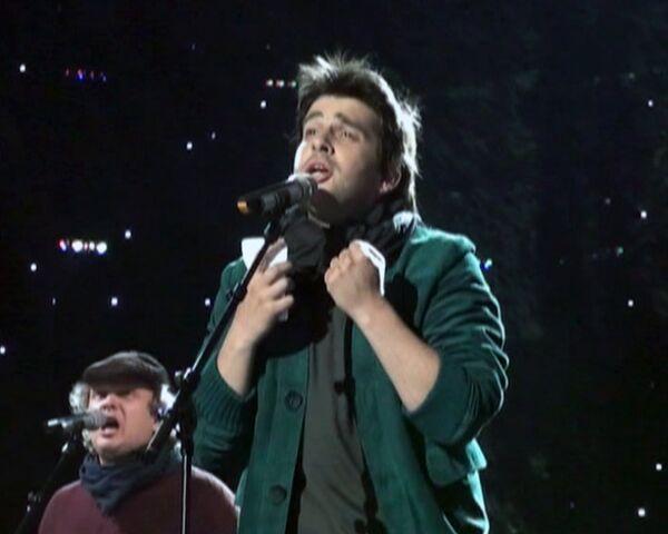 Гости Евровидения предложили Наличу спеть с фото Пугачевой в руках