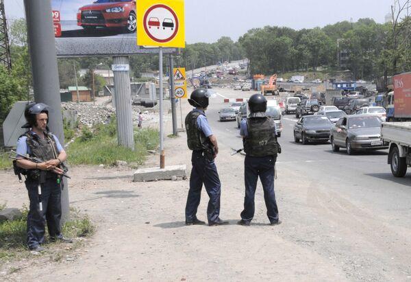 Сотрудники правоохранительных органов ведут розыск подозреваемых в нападениях на милиционеров в Приморье