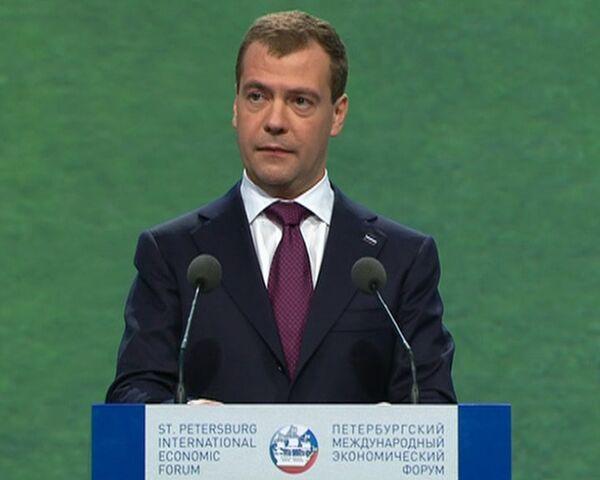 Россия перейдет на цифровой формат телевещания в 2015 году – Медведев