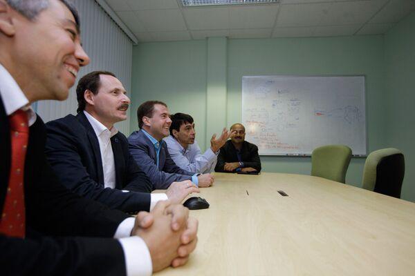 Дмитрий Медведев посетил подразделение российской компании Яндекс, расположенное в Калифорнии