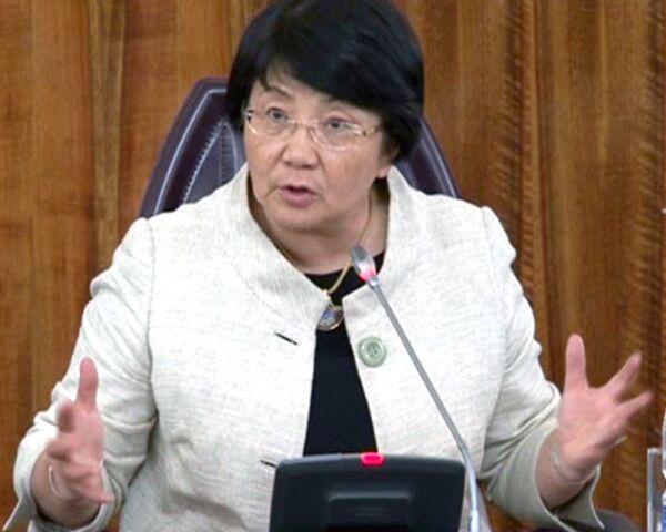 Отунбаева: режим ЧП в Киргизии отменят на время референдума