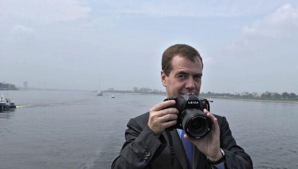 Фотоаппарат дмитрия медведева