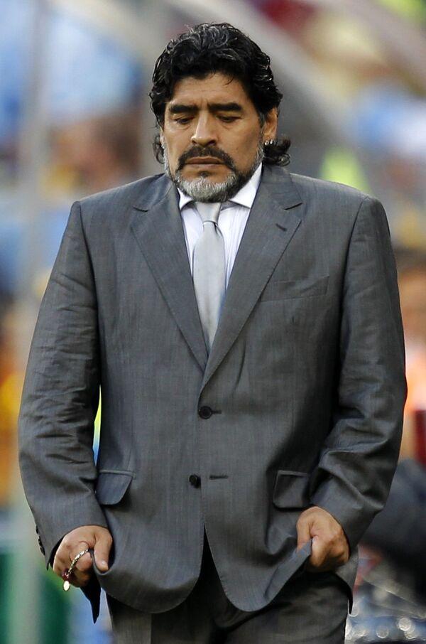 Главный тренер сборной Аргентины Диего Марадона в матче против сборной Германии на ЧМ-2010