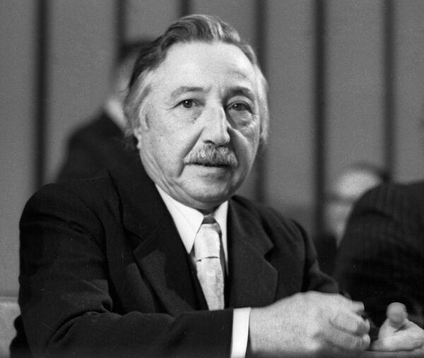 Генеральный секретарь Компартии Чили Корвалан