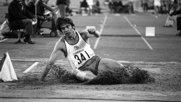 Трехкратный олимпийский чемпион Виктор Санеев. Архивное фото