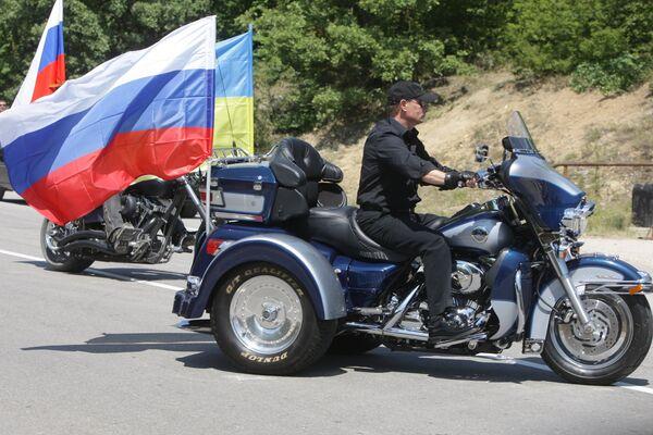 Владимир Путин и Ночные волки  на байк-шоу