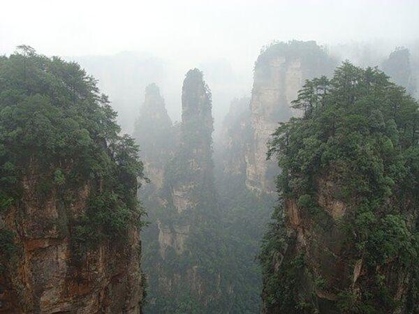 Парящие скалы в Китае