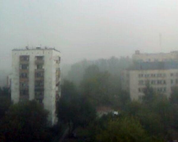 Жители Капотни не видят соседние дома из-за дыма