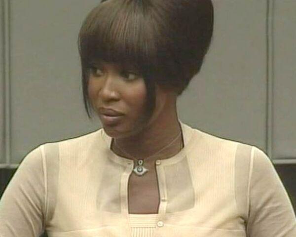 Кэмпбелл дает показания по делу о кровавых алмазах. Видео из зала суда