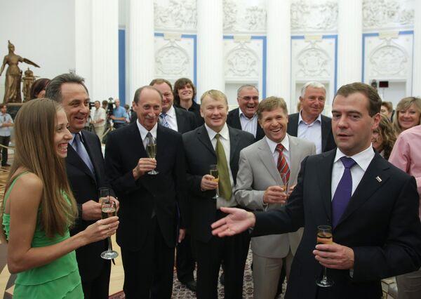 Президент РФ встретился с членами сборной России по легкой атлетике