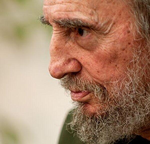 Лидер кубинской революции Фидель Кастро встречается с венесуэльскими журналистами.