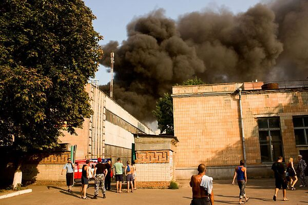 В Черкассах горит завод «ТЕМП»