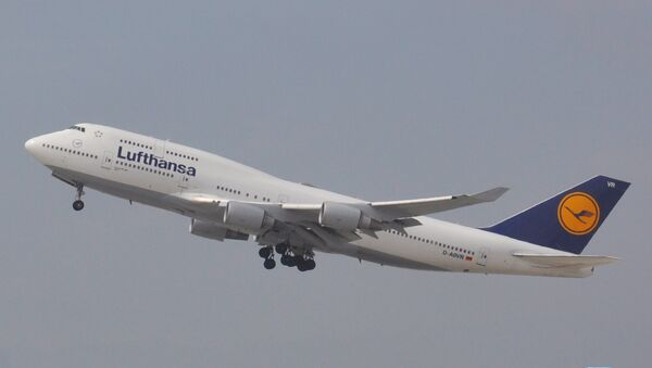Боинг-747 авиакомпании Lufthansa. Архив