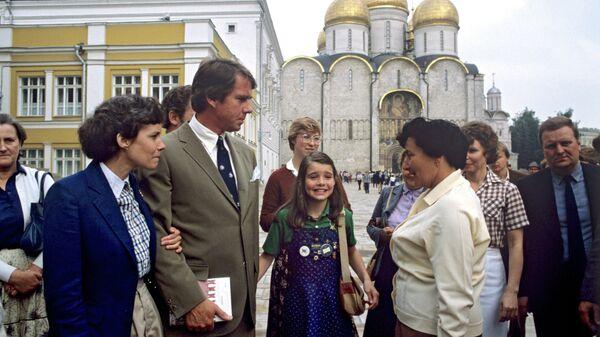 Саманта Смит с родителями на Соборной площади