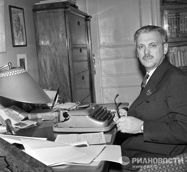 Советский писатель Сергей Михалков