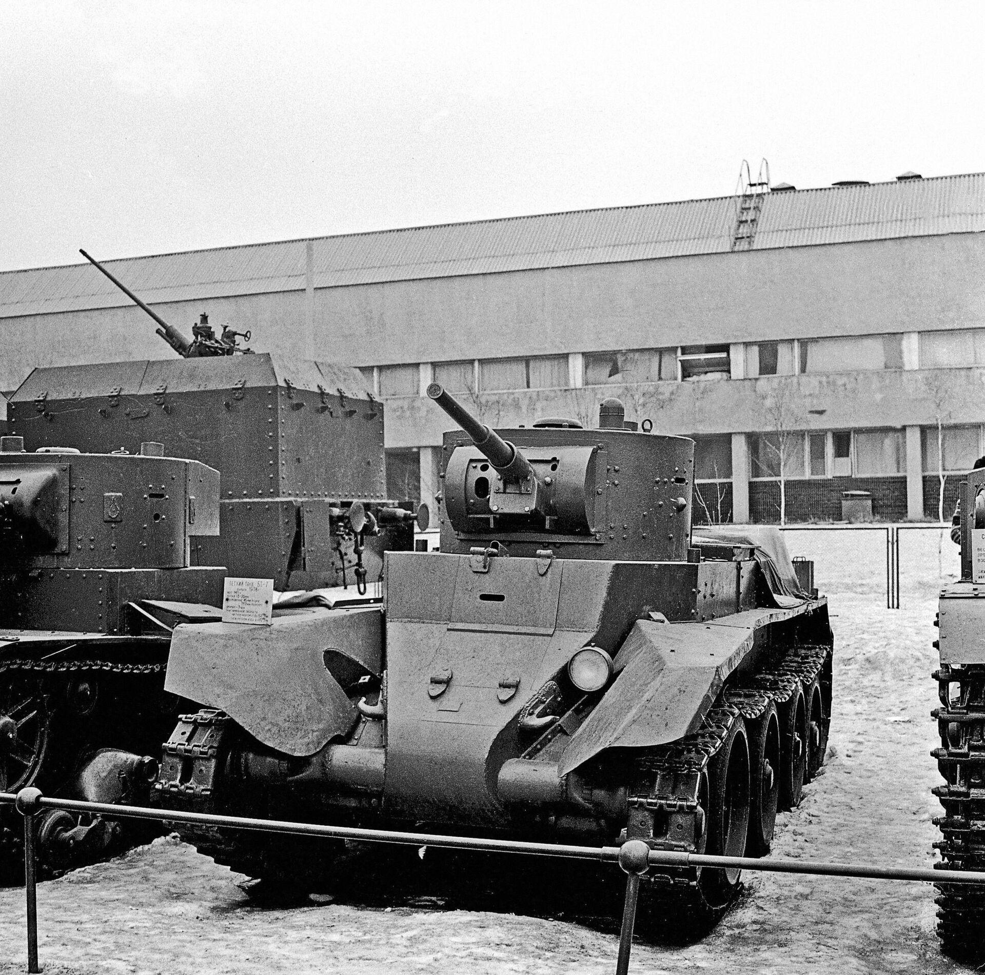 Лёгкий танк БТ-7 - РИА Новости, 1920, 16.09.2020