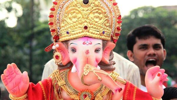 Ежегодный религиозный праздник Фестиваль Ганеши в Мумбаи