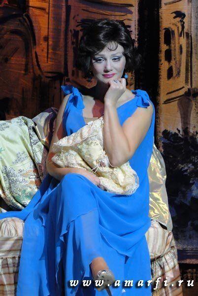 Лилия Амарфий в спектакле Красотка кабаре