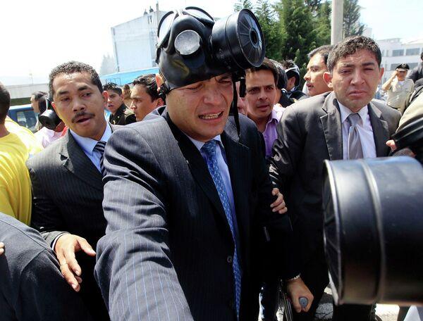 Президент Эквадора после атаки на него во время переговоров с митингующими