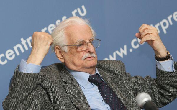 П/к президента Гильдии кинорежиссеров России Марлена Хуциева
