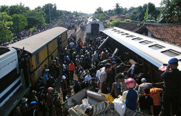 Железнодорожная катастрофа в Индонезии