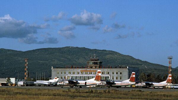 На Сахалине экстренно сел летевший из Приморья на Камчатку самолет