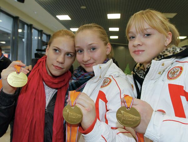 Ксения Афанасьева, Ксения Семёнова и Татьяна Набиева (слева направо)