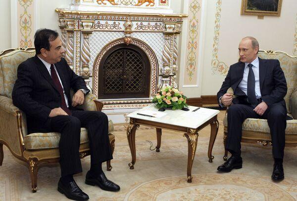 Премьер-министр РФ Владимир Путин встретился с президентом автоконцерна Рено-Ниссан Карлосом Гоном