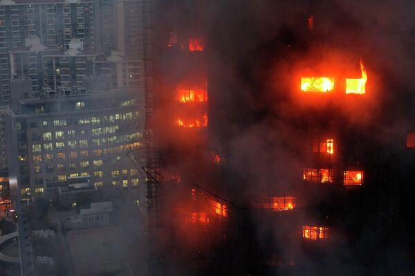 Пожар в жилой высотке в шанхайском районе Цзинань