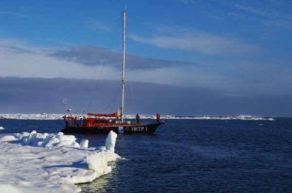 Яхта Петр I, экипаж которой установил мировой рекорд во время кругосветного плавания