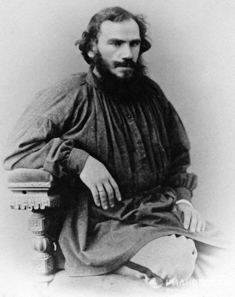Русский писатель Лев Толстой