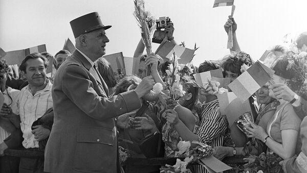 Встреча президента Франции Шарля де Голля в аэропорту Внуково. Архив