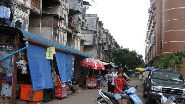 На улицах Пномпена. Архивное фото